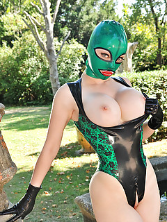 Big Tits in Latex Pics